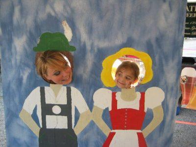 2010 Tori and Lexi in cutout